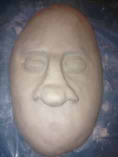 Dit zijn de ogen en de neus die ik heb gemaakt . Het is nu nog heel leeg