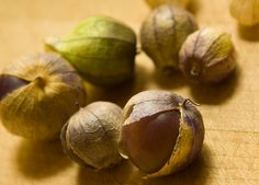 tomatillos Asian Vegetables, Fruits And Veggies, Parts Of A Plant, Exotic Food, Edible Plants, Exotic Plants, Food Lists, Onion, Recipes