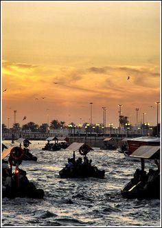✯ Abra Boats Crossing Dubai Creek