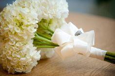 White hydrangea bouquet  www.themodernjewishwedding.com Wedding Events, Our Wedding, Dream Wedding, Wedding Stuff, Wedding Ideas, Weddings, Wedding Flower Decorations, Wedding Flowers, Wedding Dresses