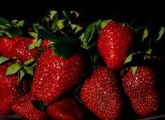 Chiar daca vă plac mult căpșunile, variați cât mai mult fructele pe care le mâncați. Mai, Strawberry, Food, Plant, Essen, Strawberry Fruit, Meals, Strawberries, Yemek