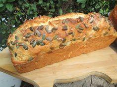 Domowy chleb z ziarnami na maślance-pyszny, łatwy z chrupiącą skórką - YouTube Bread Recipes, Cooking Recipes, Bread Rolls, Kfc, Bon Appetit, Banana Bread, Smoothies, Food And Drink, Tasty