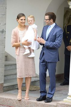 MYROYALS  FASHİON: Swedish Royal Family Celebrates Crown Princess Victoria's 36th Birthday-Victoria, Estelle and Daniel