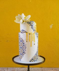"""Edelweiss - Wedding cakes on Instagram: """"In love with this cake!"""" Love Story Wedding, Pillar Candles, Light Up, Wedding Cakes, Instagram, Wedding Gown Cakes, Cake Wedding, Wedding Cake, Candles"""