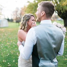 Minutes before she was supposed to walk down the aisle on the most important day of her life, a bride's worst nightmare came to life: Her photographer was a no-show.