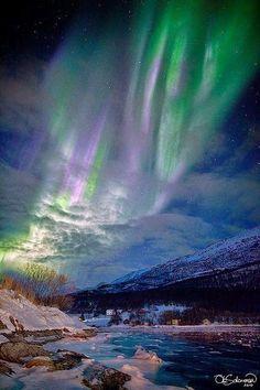 Aurora boreal, luzes do norte da Noruega.