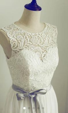 Other N/A 16: buy this dress for a fraction of the salon price on PreOwnedWeddingDresses.com