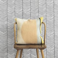 Fermliving: Herringbone wallpaper.