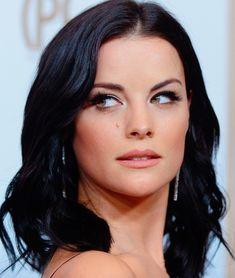 Jaimie Alexander, Lady Sif, Le Jolie, Video Film, Hollywood Celebrities, Old Women, Movie Stars, Brown Hair, Hair Beauty