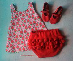 Con hilos, lanas y botones: Braguita de punto con volantes en el culete (patrón gratis) Baby Knitting Patterns, Crochet Baby, Apron, Baby Shower, Summer Dresses, Maya, Fashion, Baby Dresses, Models
