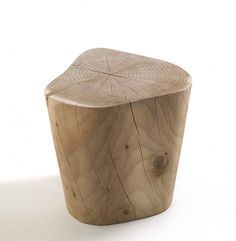 Chair Design Ideas Woodworking is a multifaceted craft that can result in many beautiful and useful pieces. Wooden Chair Plans, Chair Design Wooden, Wooden Chairs, Log Stools, Walnut Shell, Rustic Coffee Tables, Log Furniture, Built In Bookcase, Wood Slab