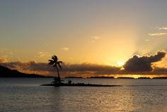 A romantic sunset closes another day of snorkelling and sailing for this couple's @Four Seasons Resort Bora Bora honeymoon.
