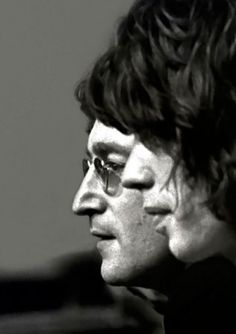 Due leggende del rock britannico,  John Lennon e Mick Jagger. #cult #rock #music #johnlennon #mickjagger #beatles #rollingstones #cultstories