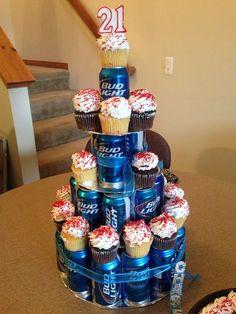 12 Ideas para hacer pasteles de cumpleaños de forma original y espectacular #beerparty Adult Birthday Cakes, 21st Birthday Gifts, Birthday For Him, 50th Birthday Party, Birthday Ideas, Beer Can Cakes, Gift Cake, Father's Day Diy, Idee Diy