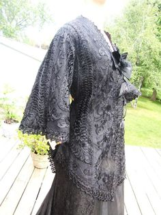 VICTORIAN BLACK TAPE LACE TOP & CHANTILLY LACE SKIRT W TRAIN 40/36/44 #Handmade