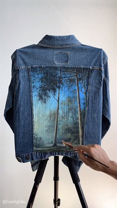 Painted Denim Jacket Fox in the Forest Painted Denim Jacket Fox in the Forest ColorByFeliks colorbyfeliksart Painting Timelapse Videos For more videos like this check out my nbsp hellip videos fabric Painted Denim Jacket, Painted Jeans, Painted Clothes, Customised Denim Jacket, Distressed Denim, Hand Painted, Diy Clothing, Custom Clothes, Denim Kunst
