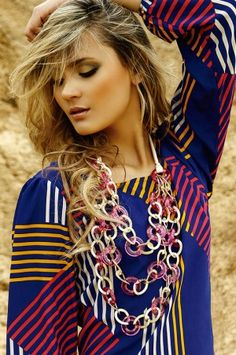 Oasis4 Maxi collar Glam fucsia Alejandra Valdivieso