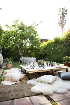Any excuse to get together with girlfriends is a good one but when you add blogger gal pals Molly of This Yuppy Life and Ragan of Beauty in the Bite, that party gets turned into something quite beautiful. They headed to the backyard for a bohemian dinner party with one crazy delicious menu (we have a […]