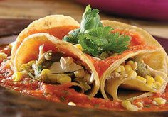 Chefs, Chile Poblano, Thai Red Curry, Chicken, Meat, Ethnic Recipes, Food, Chicken Cake, Chicken Recipes
