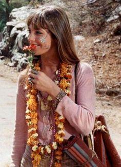 Jane Birkin - Not really a hippie, but looks nice when dressed like one. Hippie Vibes, Hippie Love, Hippie Man, Hippie Gypsy, Hippie Style, 70s Hippie, Hippie Chic, Jane Birkin, Gainsbourg Birkin