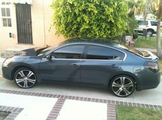 2009 nissan altima 2.5 on rims Only Altima running on 22