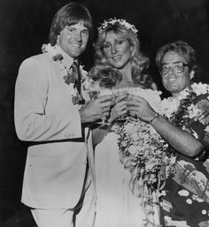 In 1980 Linda Thompson former beauty queen and long term girlfriend of Elvis, began a relationship with former Olympic Gold Medal decathlete Bruce Jenner. The couple married on January 5, 1981 in Hawaii. They had two children, Brandon (born June 4, 1981) and Brody (born August 21, 1983). They divorced in 1983