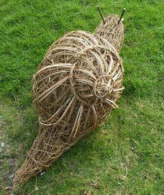 Becky barnett Willow Weaving, Basket Weaving, Willow Branches, Tree Branches, Willow Furniture, Twig Art, Paper Weaving, Metal Garden Art, Tree Sculpture