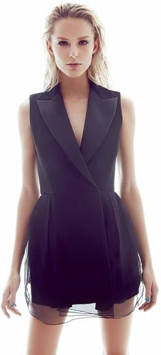 black dress CLICK THIS PIN if you want to learn how you can EARN MONEY while surfing on Pinterest