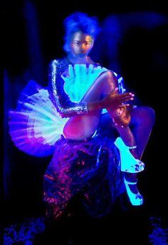 illuminated photography ultraviolet photography illuminating fashion