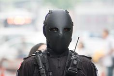 Airsoft hub is a social network that connects people with a passion for airsoft. Talk about the latest airsoft guns, tactical gear or simply share with others on this network 44 Magnum, Taiwan, Taktischer Helm, Ballistic Mask, Comic Book Villains, Airsoft Helmet, Tac Gear, Army Uniform, Military Uniforms