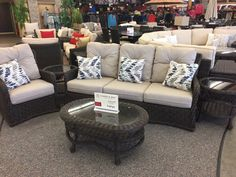 Patio Renaissance - Greenvile 5pc Traditional Sofa Group.