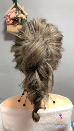 Bun Hairstyles For Long Hair, Work Hairstyles, Braided Hairstyles, Hair Upstyles, Messy Ponytail, Elastic Hair Bands, Hair Videos, Hair Hacks, Updos