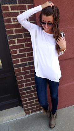 Oversized/loose fitting black long sleeve. Perfect fall outfit for lazy days!/