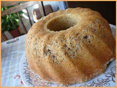 """Máslo, cukr a žloutky utřeme do """"hladkoleskla"""", přidáme ořechy, mouku s práškem do pečiva, mléko, promícháme, lehce vmícháme našlehaný… Bagel, Bread, Food, Brot, Essen, Baking, Meals, Breads, Buns"""