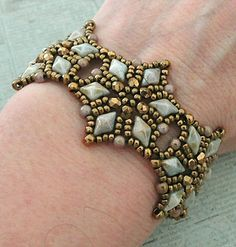 Linda's Crafty Inspirations: Bracelet of the Day: Starflower - Chalk Lumi Green
