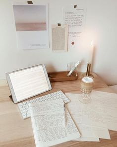 Study ♡ - - tips You are in the right place about studying motivation univers Study Desk, Study Space, Study Areas, Deco Studio, Study Room Decor, Study Organization, School Organisation, Desk Inspiration, School Study Tips