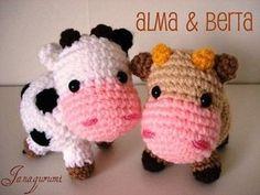 So cute! Little cows Alma & Berta crochet pattern by Janagurumi. Sold on DaWanda.com for 3�'�.