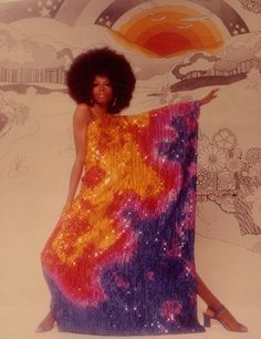 Diana Ross poses for a portrait session with Harry Langdon in Los Angeles, California on July 1975 Moda Disco, Disco 70s, Black Girl Aesthetic, Retro Aesthetic, Disco Party, 70s Fashion, Vintage Fashion, 1970s Disco Fashion, Fashion Skirts