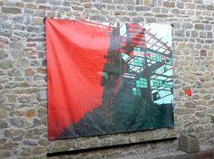 """Angela Galli """"STRUTTURA ROSSA"""" immagine ibrida stampata su pvc cm 248x203; 2009PER GIORGIO - arte a Massa e Cozzile #pergiorgio #arteamassaecozzile #massaecozzile #art #contemporaryart #contemporaryartist"""