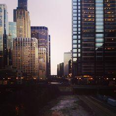 Lake Street Bridge crosses over Chicago.    Photo courtesy of toreedee on Instagram.