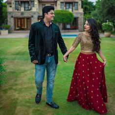 Indian skirt - Bangalore Meets Hyderabad In This Beautiful Wedding! Indian Designer Outfits, Indian Outfits, Designer Dresses, Lehenga Designs, Saree Blouse Designs, Long Skirt And Top, Indian Gowns Dresses, Dresses Dresses, Fashion Dresses