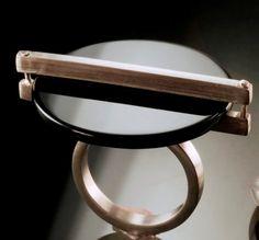 """Anel """"[DES]EQUILIBRIO EBANO"""" em prata e onix. Coleção Cleópatra"""