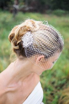 This listing is for two separate pieces:The Bandeau style birdcage veil Bridal Hair Comb .The Bandeau style birdcage veil is made from 8 Wedding Hair And Makeup, Bridal Hair, U Shaped Hair, Simple Veil, Wedding Hairstyles With Veil, Wedding Veils, Bridal Headpieces, Wedding Reception, Marie