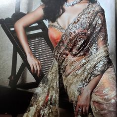 Gold Lace Saree : Can Never go Wrong With One!