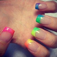 rainbow ombre nails. love.