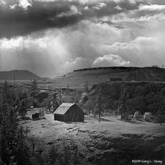 oregon barns   Barn, Mosier, Oregon, April 2011   Flickr - Photo Sharing!