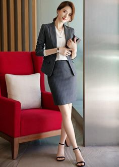Stylish Work Outfits, Pretty Outfits, Office Outfits, School Fashion, Office Fashion, Blazer Outfits For Women, Girl Outfits, Korean Fashion Dress, Fashion Dresses