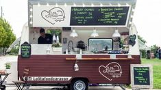 Building a food truck properly is important for sustained success. Learn how to design a safe and visually appealing food truck. Churros, Food Truck Design, Food Design, Cafe Shop Design, Food Truck Business, Truck Storage, Coffee Truck, Food Trailer, Wrap Recipes