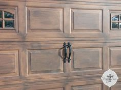 This amazing faux wood garage doors is truly an extraordinar.- This amazing fa.This amazing faux wood garage doors is truly an extraordinar.- This amazing faux wood garage doors is truly an extraordinary design construct. Garage Door Colors, Garage Door Paint, Garage Door Makeover, Wood Garage Doors, Old Garage, Garage Door Design, Faux Wood Garage Door Diy, Faux Garage Door Windows, Garage Office