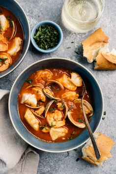 Brimming with fresh seafood in a tomato and wine broth that tastes like the sea, cioppino is a delicious Italian-American fish stew. Seafood Recipes, Soup Recipes, Cooking Recipes, Fish Recipes, Yummy Recipes, Healthy Recipes, Fresh Seafood, Fish And Seafood, Seafood Stew